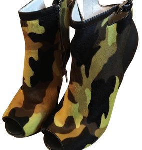 Michael Kors Camouflage Boots
