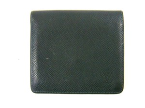 Louis Vuitton Mens Taiga Leather 3x Credit Slot Bifold Wallet France