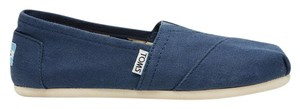 TOMS Classic Slip-on Canvas Navy Flats