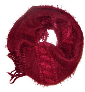 Unknown Dark Red Maroon Burgundy Fuzzy Cozy Knit Scarf
