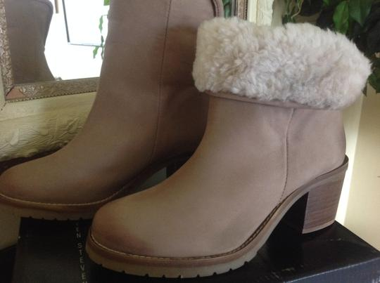 Steve Madden Genuine Shearling Leather Ankle Taupe Boots