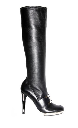 Preload https://img-static.tradesy.com/item/19810445/versace-black-new-stretch-leather-platform-bootsbooties-size-us-85-regular-m-b-0-0-540-540.jpg