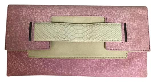 Preload https://item4.tradesy.com/images/creampink-leathersnakeskin-clutch-19810623-0-1.jpg?width=440&height=440