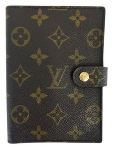 Louis Vuitton Lv Small Monoram Ring Agenda Monogram Clutch