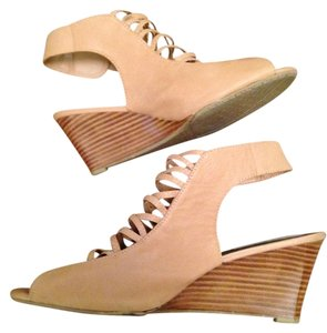 Coach and Four Strappy Wood Stack Leather Sandal Bootie nude/tan Wedges