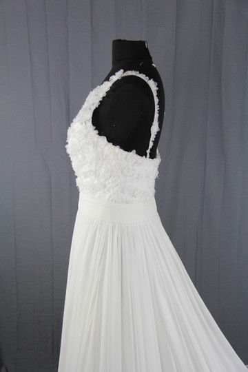 St. Patrick Off White Chiffon & Tulle Australia Feminine Wedding Dress Size 10 (M)