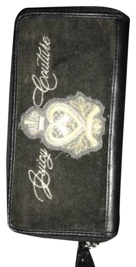 Preload https://item4.tradesy.com/images/juicy-couture-wallet-19811673-0-1.jpg?width=440&height=440
