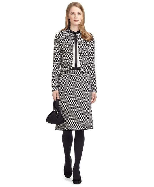Preload https://item2.tradesy.com/images/brooks-brothers-black-and-white-jacquard-pencil-knee-length-skirt-size-4-s-27-19811721-0-0.jpg?width=400&height=650