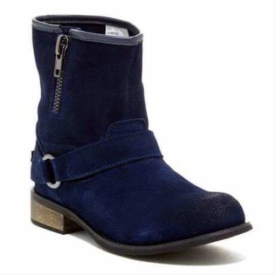 Preload https://item4.tradesy.com/images/restricted-bootsbooties-size-us-6-regular-m-b-19811888-0-0.jpg?width=440&height=440