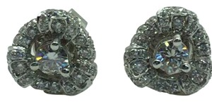 18 K White Gold Stud Earrings With Diamonds