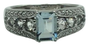JWBR JWBR 10 K White Gold Ring With Blue Topaz Stone Size 7 1/4
