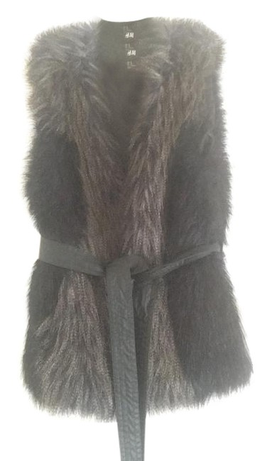 Preload https://item5.tradesy.com/images/h-and-m-blue-black-grey-vest-size-2-xs-19813069-0-1.jpg?width=400&height=650
