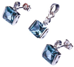 9.2.5 gorgeous square aquamarine pendant and earrings set