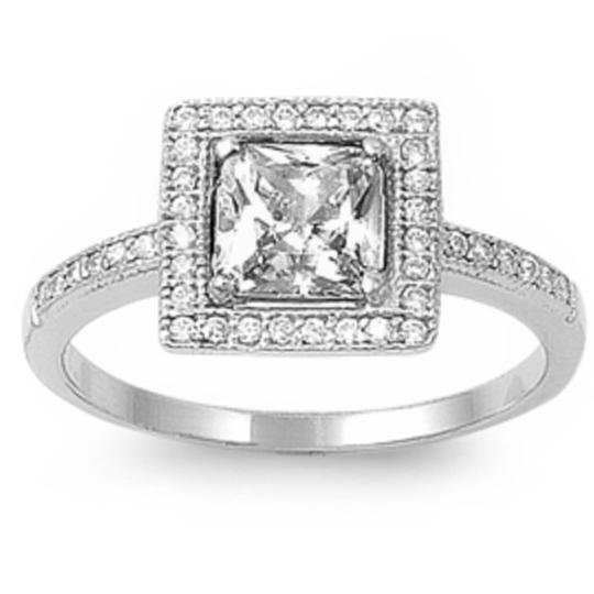 9.2.5 gorgeous upscale white sapphire square royalty ring size 7