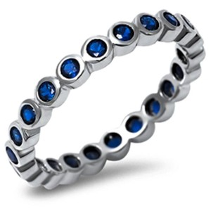 9.2.5 stunning blue sapphire all around band ring size 7