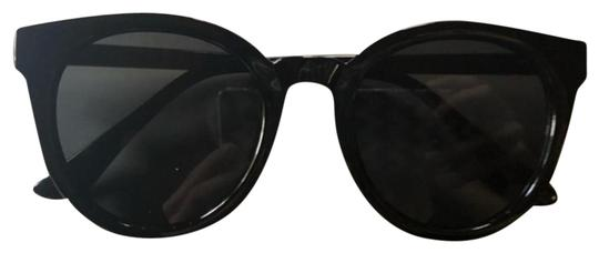 Preload https://item3.tradesy.com/images/black-gold-stylish-trendy-sunglasses-19813547-0-11.jpg?width=440&height=440