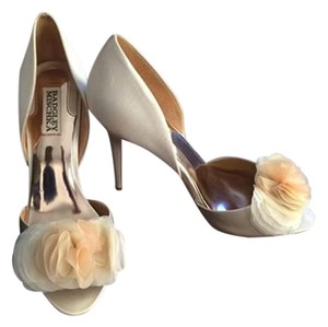 Badgley Mischka Bride Ivory Pumps