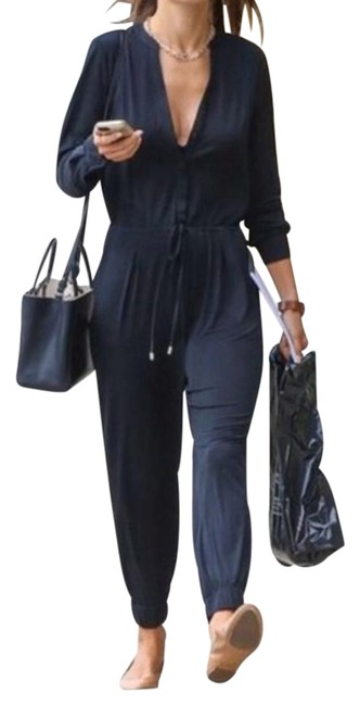Preload https://item4.tradesy.com/images/pant-suit-size-6-s-19813573-0-1.jpg?width=400&height=650
