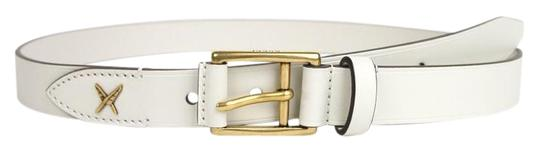 Preload https://item1.tradesy.com/images/gucci-white-leather-gold-buckle-feather-detail-10040-375182-9022-belt-19813595-0-1.jpg?width=440&height=440
