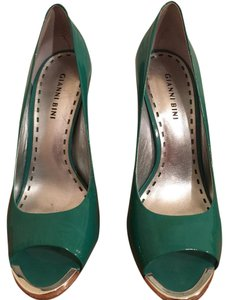 Gianni Bini Kelly Green Pumps