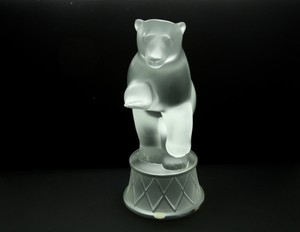 Lalique France Crystal Circus Bear Sculpture (signed & Authentic)