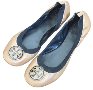 Tory Burch Sand/Black Flats