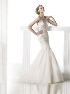 Pronovias Maca Wedding Dress