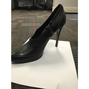 Burberry Black With Burberry Plaid On Back Pumps