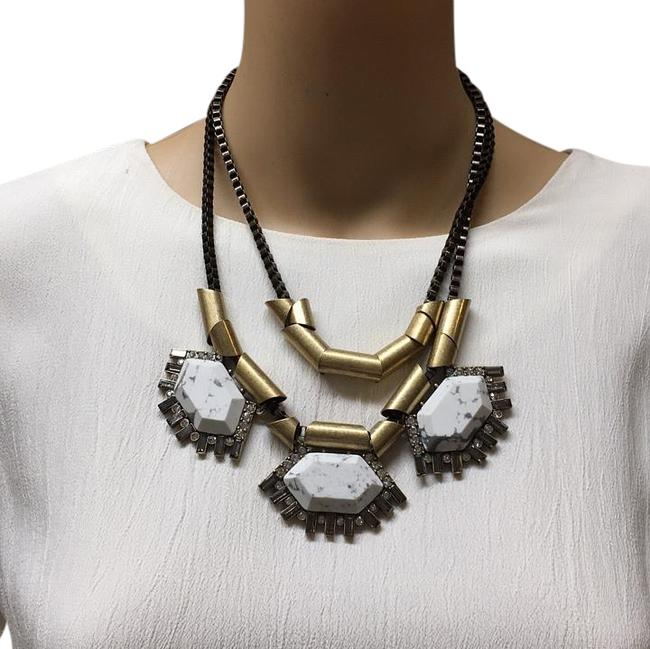 Item - Gold White Ave Necklace