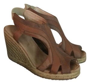 Tommy Bahama Wedge Two-tone Brown Wedges