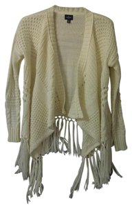 American Eagle Outfitters Fringe Hem. Crocheted Sweater