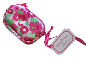 Lilly Pulitzer Lily Wristlet in Garden by the Sea