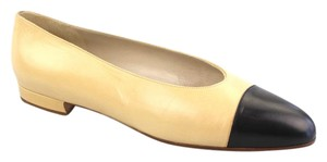 Chanel Cream Leather Ballerina Black Cap Toe Beige Flats