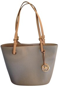 Michael Kors Tote in Light Gray