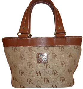 Dooney & Bourke Refurbished Monogram Lined Hobo Bag