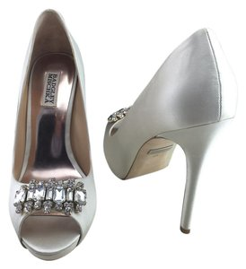 Badgley Mischka Crystal Alter Bride Ivory Pumps