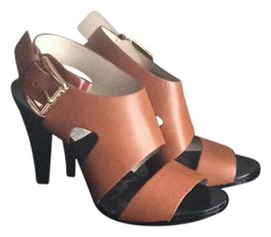 MICHAEL Michael Kors Carla Carla Mk High Luggage / Warm Brown w/ Black Heels Sandals