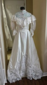 Alfred Angelo White Satin and Lace Style Vintage Wedding Dress Size 4 (S)
