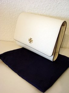Tory Burch NWT TORY BURCH ROBINSON MEDIUM FLAP WALLET NEW IVORY