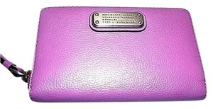 Marc by Marc Jacobs Marc Jacobs Iphone Wristlet Phone Case Wallet Lovely Violet 148.00