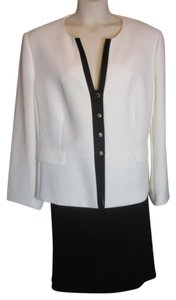 Tahari TAHARI by ARTHUR S. LEVINE BLACK/WHITE SKIRT SUIT