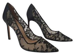 Manolo Blahnik Lace Stunning Bb Satin Pumps