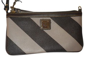 Dooney & Bourke Wristlet in Brown and cream