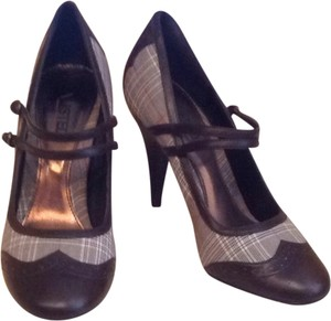 Unlisted by Kenneth Cole Brown And Fabric Pumps