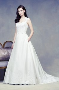 Paloma Blanca 4304 Wedding Dress