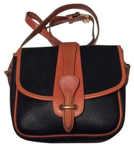 6e0dc2844d29 Dooney   Bourke Bags on Sale - Up to 70% off at Tradesy