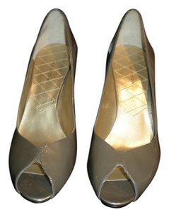 Bandolino Dbcamby Heels taupe metallic patent leather Pumps