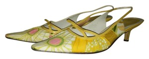 Bandolino Slingback Floral Yellow and White Pumps