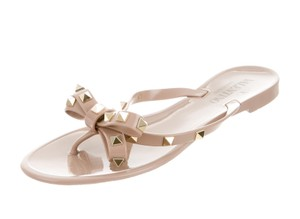 Valentino Jelly Bow Rockstud Beige, Gold Sandals