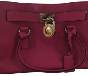 MICHAEL Michael Kors Satchel in Fuschia
